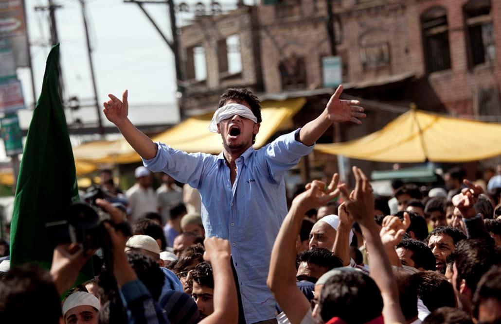 Kasmíri muszlim tüntetők , arab világ, tüntetések, mohammed próféta