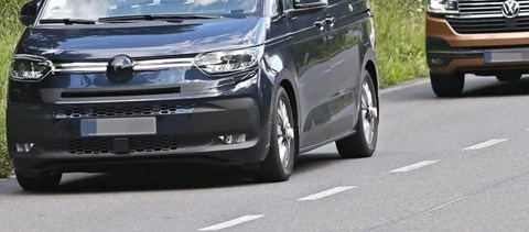 Személyautósabb formát kap az új Volkswagen Transporter