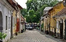 Annyian kirándulnak Szentendrére, hogy le kell zárni a belvárosát