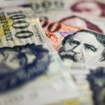 Nem fogja elhinni, a régióban a magyarok kapják a legmagasabb 13. havi bért, már ha kapnak