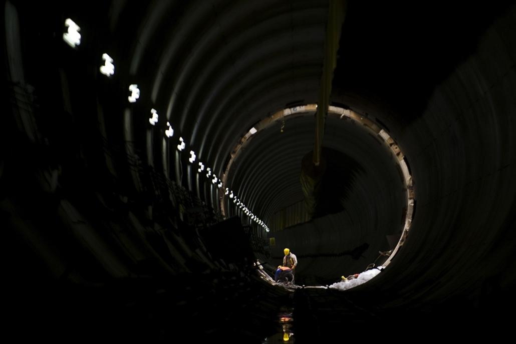 Ecatepec, Mexikó: munkás a 62 kilométer hosszú Ecatepec vízelvezető alagútban, mely az árvizek elvezetése céljából épült.  - 7képei