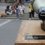A Színes Város első flashmobja a Gödörnél