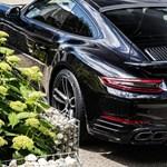 Csak 30 példány készül ebből a durva Porsche 911-esből