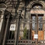 Botrány a TF-en: szabálytalanul kapott diplomát egy fideszes képviselő fia?