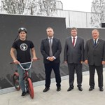 Skate-parkot avatott Tállai András Mezőkövesden