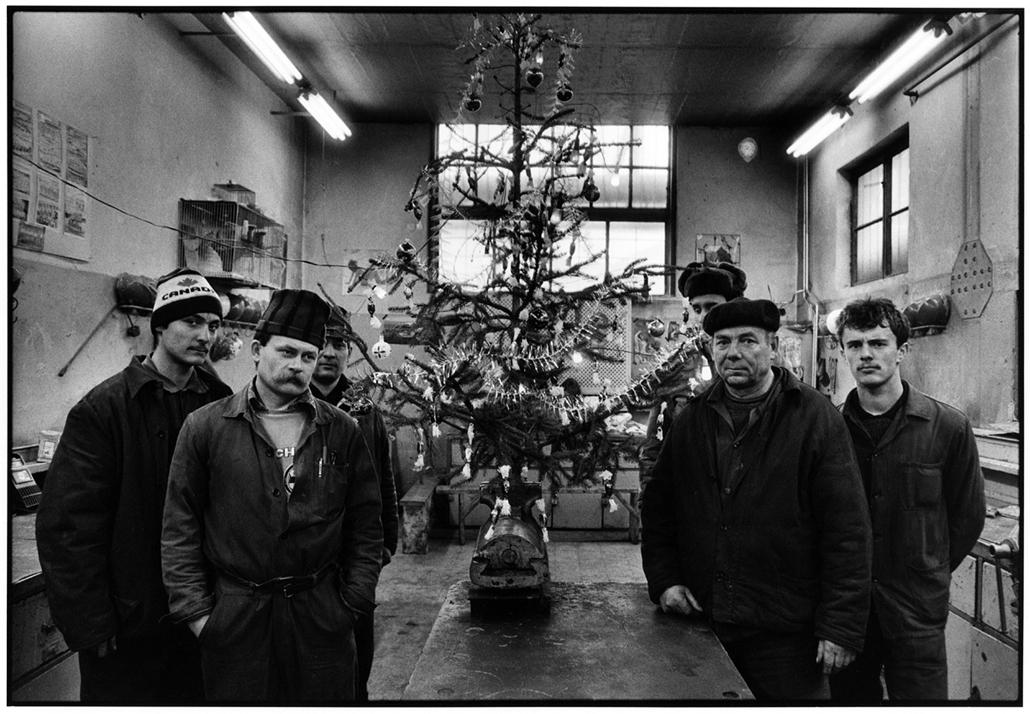 Csőszerelő műhely, 1989 - Magyar sorsok és életművek - Nagyítás-fotógaléria, kiállítás