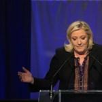 Elbukhatja a fizetése felét Marine Le Pen