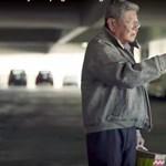 Csodásan szociopata reklámmal indítja a karácsonyt az Audi – videó