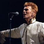 Gigantikus emlékművet kapott David Bowie
