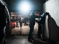 Épp Óbudán csomagolták ki a Hollandiából hozott drogot, amikor jöttek a rendőrök - videó