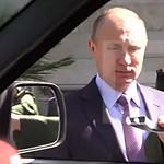 Putyin megnézte volna az új UAZ dzsipet, de leszakadt a kilincse – videó