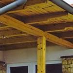 Mennnyibe kerül  az ács és a tetőfedő?