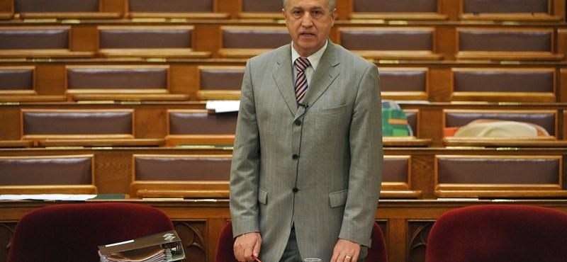 Cinizmusrekordot döntött a belügyi államtitkár