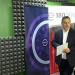 Reggel magyarázza ki magát a támadásba lendült Orbán