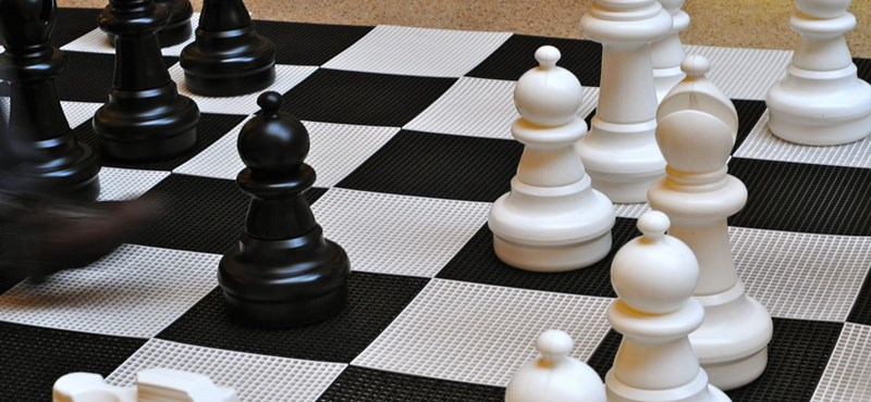 Ezért lenne jó minden diákot megtanítani sakkozni