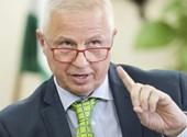 Trócsányi László: Le fogom győzni a bizalmatlanságot