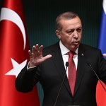 A török ellenzéki lapok most még nekimehettek Erdogannak
