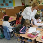 Ezerötszáz iskola zárt be pénteken: béremelésért sztrájkolnak a tanárok Szerbiában