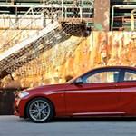 Itt a BMW új kiskupéja, a 2-es sorozat