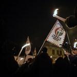 """Vona: """"Nem kell szeretni egymást, csak elfogadni"""" - így tüntettek a Jobbikért"""