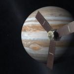 Nincs rá jobb szó: csodás fotót készített a NASA a Jupiteren észlelt viharról