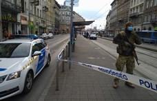 Fényes nappal késeltek meg egy férfit Budapesten