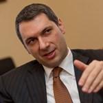 Egri Fidesz-dzsembori: osztozkodás, Erste-turbulencia és éles bérharc