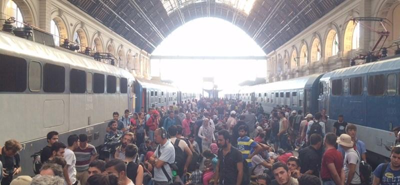 Megindult a vonatforgalom a Keleti pályaudvaron – videó, fotók