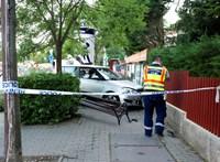 Padon ülő nőt és gyerekeit gázolta el egy autó Budapesten