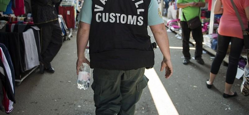 Bevándorlók lettek a NAV-osokból