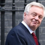 Tovább izmozik a brexit-miniszter