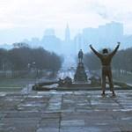 Ne hagyd ki ezt a videót: így táncol Stallone és Leslie Nielsen az év slágerére