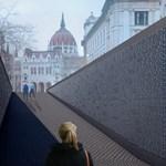 Fotók: Így fog kinézni a Nemzeti Összetartozás árka a Kossuth téren