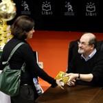 Rushdie Andersen-díjas, de még védik