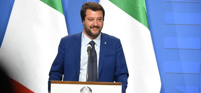 Salvini nem enged kikötni egy olasz hadihajót, mert az menekülteket mentett ki a tengerből