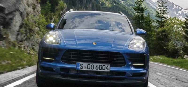 Itt a szegény ember Porsche divatterepjárója, de azért nem Vitara-árban mérik