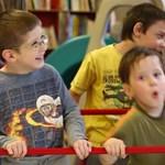Cuki videón táncol a Happy-re a Pető Intézet