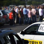 Fix tarifáért tüntetnek a fővárosi taxisok