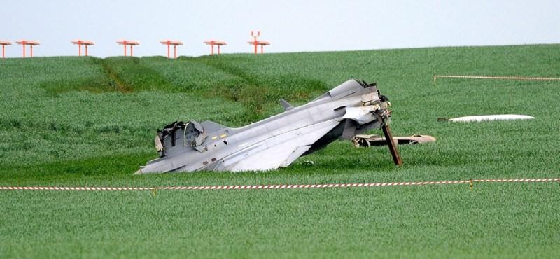 Baleset ért egy magyar vadászgépet Csehországban