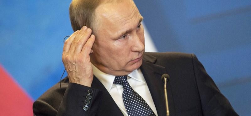 Fagyos Putyin-látogatás: két órán át szívatták az utasokat egy szibériai reptéren