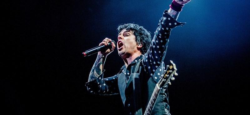 A Green Day-koncert legszerencsésebb rajongója egy gitárt is hazavihetett