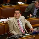 Lelép a parlamentből Novák Előd