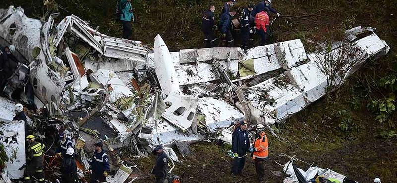 Tömeggyilkosnak nevezik Brazíliában a Kolumbiában lezuhant gép pilótáját