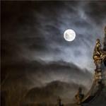 Fotó: Ilyen gyönyörűen fénylik a telihold Budapesten