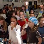 Idén is kapnak iskolatejet a székesfehérvári általános iskolások