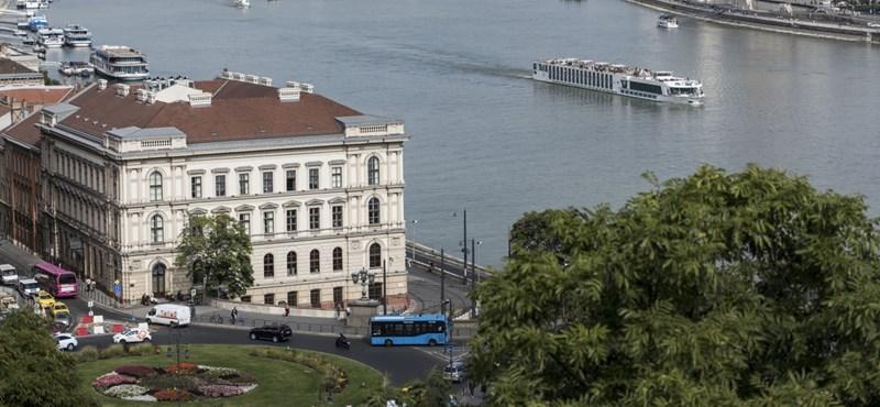 Az orosz hátterű beruházási banké lett Európa legpatinásabb irodaháza Budapesten