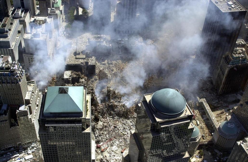 afp.01.09.17. - New York, USA: támadás a világkereskedelmi központ (World Trade Center) ellen- wtc, 911