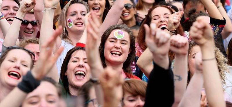 Írország: az egyház meggyengült, a nők felszabadultak
