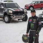 Motorost gázolt a Dakar-ralin Stéphane Peterhansel