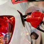 A szokásosnál nagyobb árcsökkenés jöhet szerdától a benzinkutaknál